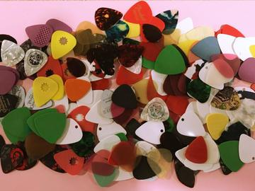 Selling: Fantastic Colection of 0ver 200 Guitar Picks