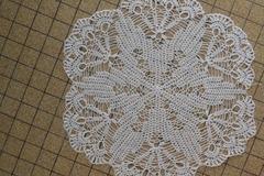 Vente au détail: Napperon rond crochet avec coton fin