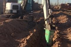 En alquiler: excavadora con martillo , para suelos duros
