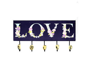 Sale retail: Patère murale vintage LOVE