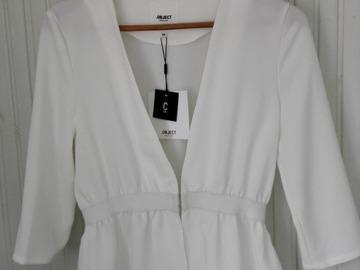 Ilmoitus: Valkoinen jakku