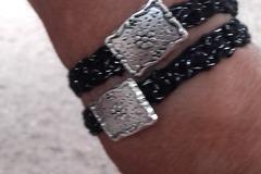 Vente au détail: Bracelet double noir/argent  en coton crochete main