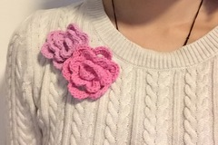 Myydään: Beautiful Wool Flower Brooch