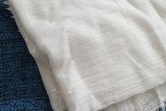 Ilmoitus: Valkoinen Zaran huivi