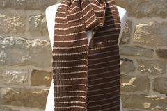 A vendre: Très grande écharpe en alpaga brun et mérinos tissée main