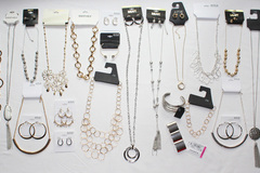 Sell: 120 Piece High Value Name Brand Jewelry Lot $3000 Tix Value