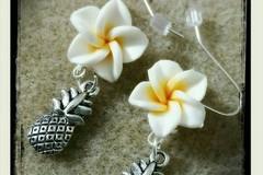 Selling: Pineapple Charm Dangle Earrings