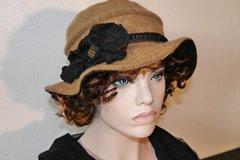 Vente au détail: Chapeau en laine et polyester couleur beige foncé Camillia 8