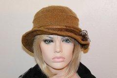 Vente au détail: Chapeau très chic en laine bouillie beige Camilia 10