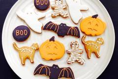 Selling a product: Halloween & Autumnal Biscuits