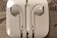 Myydään: used Apple iPhone ear phone