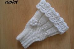 Vente au détail: mitaines tricotées/Manchettes-mitaines blanche en laine dent