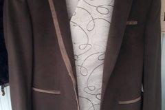Ilmoitus: Miesten takki ja liivi