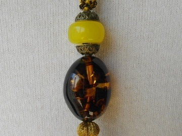 Sale retail: Collier pendentif cordon fait main, a popon