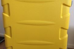 Myydään: Luggage