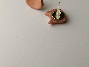 Vente au détail: Boucles d'oreilles Chat Irisées