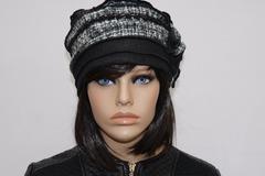 Vente au détail: Bonnet toque blanc et noir en polyester et laine Nina 16