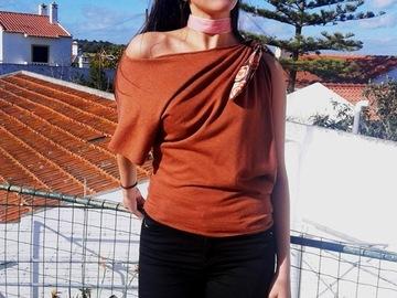 Vente au détail: T-shirt blouse asymétrique en jersey de coton taille 36/38