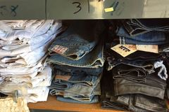 Sell: TRUE RELIGION LOT OF 100 WOMEN'S JEANS! MANY STYLES & SIZES!