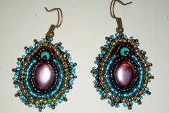 Vente au détail: Boucles  en perles brodées turquoise et marron