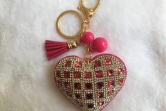 Vente au détail: Porte Clés - Bijou de sac chic Coeur strass FUCHSIA