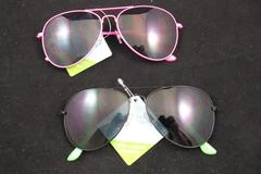 Sell: 300 Pcs -- Foster & Grant Assorted Sunglasses NEW