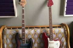 Renting out: Fender Bass VI