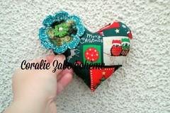 Vente au détail: Coussin coeur en tissu imprimé motifs de Noël
