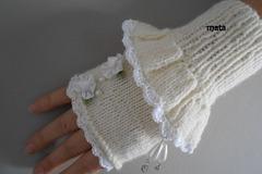 Vente au détail: mitaines d'hiver laine ecru ,dentelle/mitaines tricotées/mou