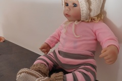 Vente au détail: ensemble naissance/trico bebe ,bonnet et chaussons  bebe 0.1