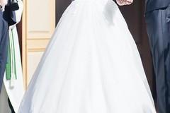 Ilmoitus: Pitsikoristeinen mekko