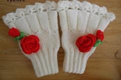 Vente au détail: Manchettes-mitaines femme en laine blanche /mitaines tricoté