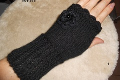 Vente au détail: mitaines tricotées laine noire femme,cadeau noel