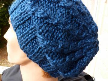 Vente au détail: bonnet adulte bleu pétrole à porter retombant ou avec revers
