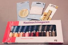 Myydään: Sewing Kit