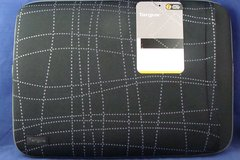"""Sell: Targus 16"""" Laptop Sleeve Black with Gray Stitch Design"""