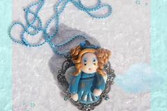 Vente au détail: Collier Figurine Ange Bleue