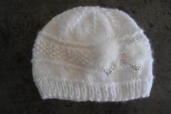 Vente au détail: Bonnet, chapeau, baptême fleur pour bébé