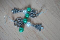 Vente au détail: Magnifique boucles d'oreilles Noël vert et blanc