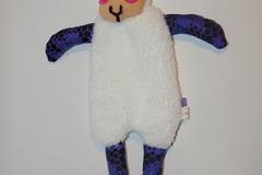 Vente au détail: Doudou Mouton Blanc/Violet décoré de tâches noires