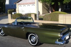 Renting out per day: 1957 Ford Thunderbird
