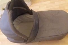 Myydään: Britax carrycot grey