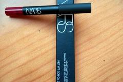 Venta: Nars Velvet Matte Lip Pencil Endangered Red