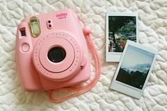Ilmoitus: Polaroid kamera vuokrataan