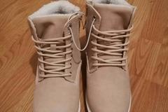 Myydään: Brand new woman winter shoes (size 38)