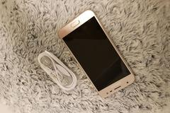 Selling: [SOLD] Samsung Galaxy J3 (2017), Gold (Almost New)