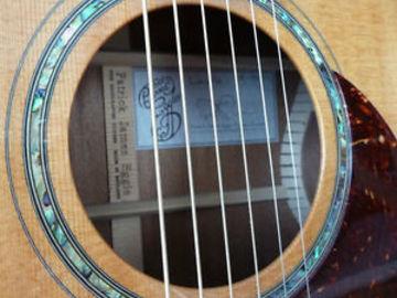 Guitar selling: Patrick Eggle Linville OM