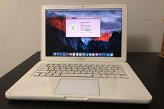 Myydään: Macbook - (Early 2010) Bought in 2011
