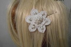 Vente au détail: accessoire coiffure/Pince à Cheveux/Pince a cheveux fleur bl