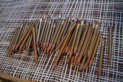 Ilmoitus: VARATTU Kullanväriset kynät